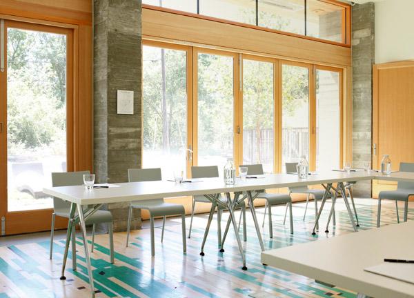 h2-meeting-room